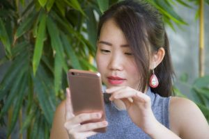 Do Millennials Lack Social Skills Because of Dating Apps and Texting?