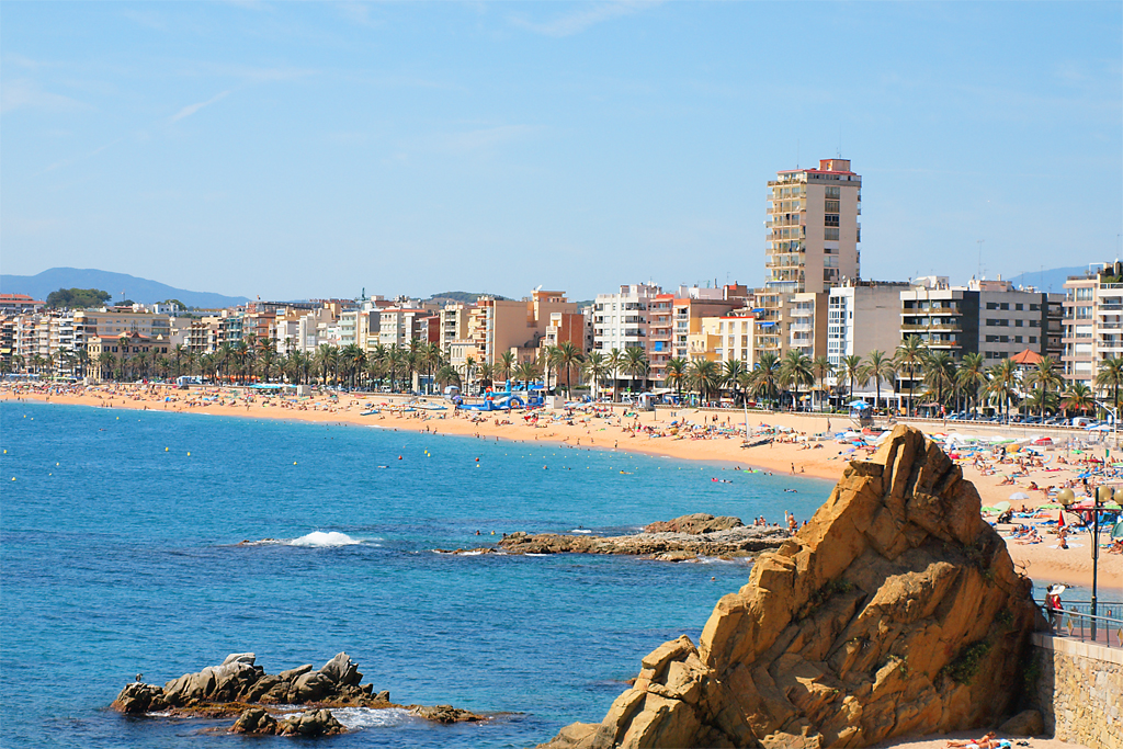 Explore the Costa Brava | Traveldudes.org
