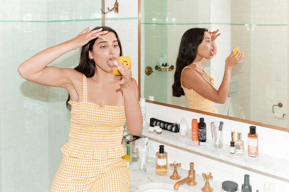 Julie Schott Has Some Thoughts About Showering
